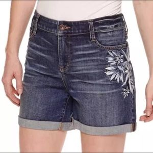 "St John's Bay, size 8, Embroidered 5"" Denim Shorts"
